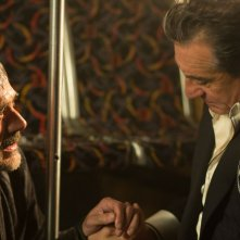 Jeffrey Dean Morgan e Robert De Niro in una scena di Bus 657