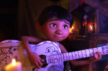 images/2017/11/04/moviereview_coco_07.jpg