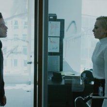 Mr. Robot: Portia Doubleday e Rami Malek in una scena dell'episodio eps3.4_runtime-err0r.r00