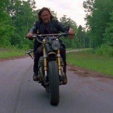 The Walking Dead: Norman Reedus in una scena