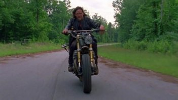 The Walking Dead: Norman Reedus in una scena
