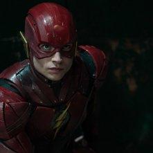 Justice League: Ezra Miller in un'immagine tratta dal film
