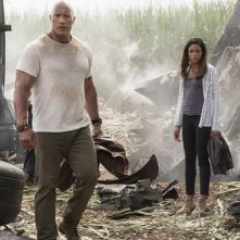 Rampage: Dwayne Johnson e Naomie Harris in una foto del film