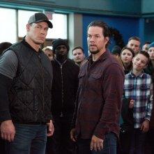 Daddy's Home 2: John Cena e Mark Wahlberg in una scena del film