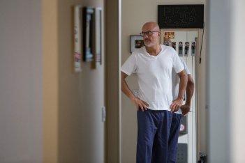 Gli sdraiati: Claudio Bisio in una scena del film