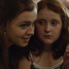 My Skinny Sister: Amy Diamond e Rebecka Josephson in un momento del film
