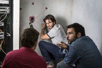 Smetto quando voglio - Ad honorem: Edoardo Leo e Giampaolo Morelli in una scena del film
