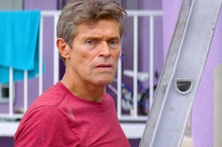The Florida Project: Willem Dafoe in una scena del film