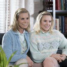 Bad Moms 2: Mamme molto più cattive, Kristen Bell e Cheryl Hines in una scena del film