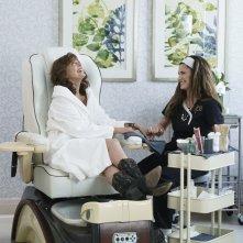 Bad Moms 2: Mamme molto più cattive, Susan Sarandon e Kathryn Hahn in una scena del film