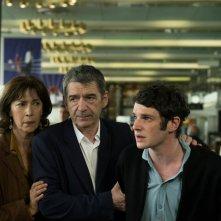Due sotto il burqa: Félix Moati, Anne Alvaro e Miki Manojlovic in un'immagine del film