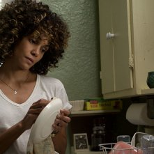 Kings: Halle Berry in una scena del film