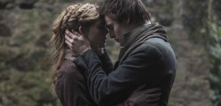 Mary Shelley: Elle Fanning e Douglas Booth in una scena del film