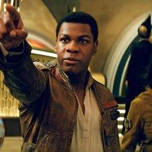 Star Wars: Gli Ultimi Jedi: John Boyega e Kelly Marie Tran in una scena