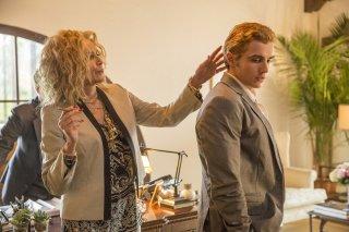 The Disaster Artist: Sharon Stone e Dave Franco in una scena del film