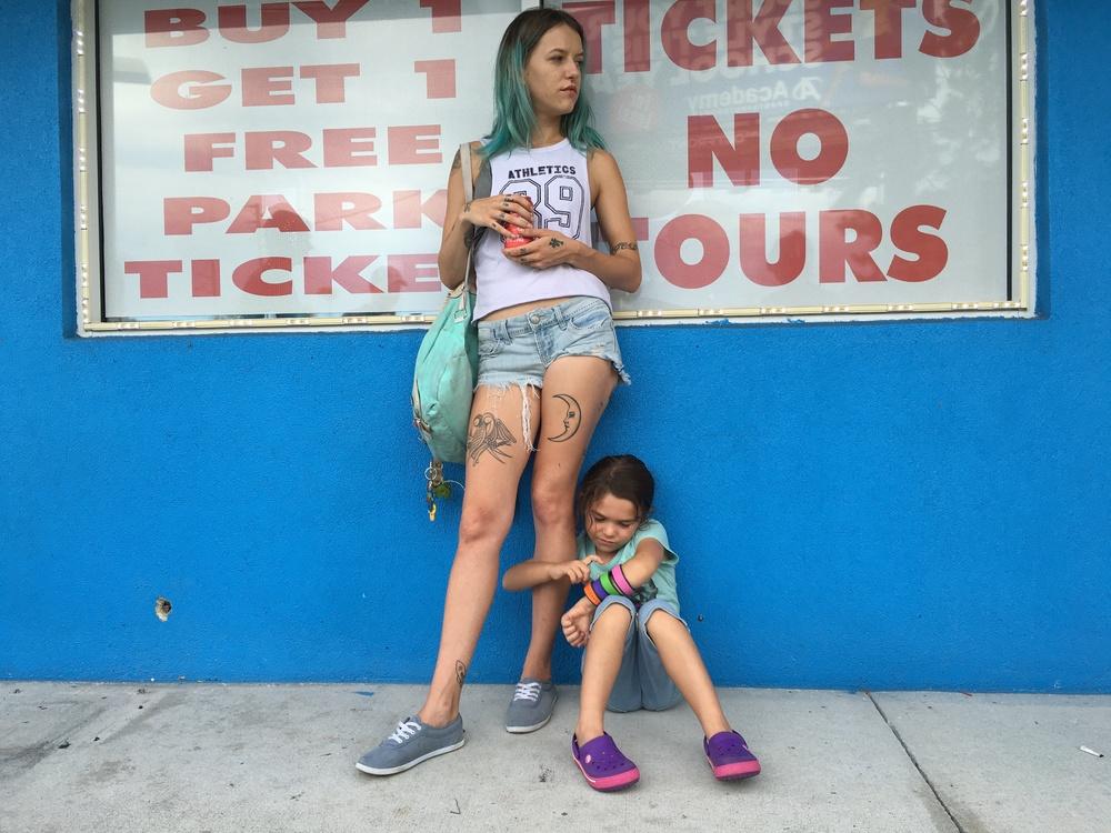 The Florida Project: Bria Vinaite e Brooklynn Prince in un'immagine del film