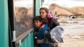 Tito e gli alieni: Chiara Stella Riccio e Luca Esposito in una scena del film