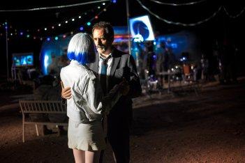 Tito e gli alieni: Clémence Poésy e Valerio Mastandrea in una scena del film