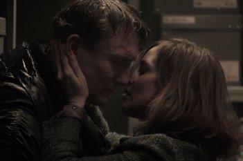 Dark: un momento romantico della serie