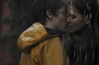 Dark: una scena romantica della serie