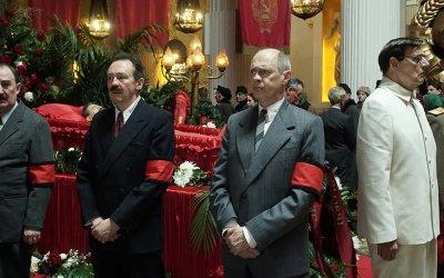 Morto Stalin, se ne fa un altro: l'incompetenza al potere tra orrore e risate