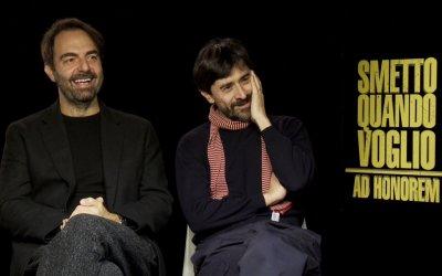 """Smetto Quando Voglio: Ad honorem, parlano i i """"cattivi"""" per caso Neri Marcorè e Luigi Lo Cascio"""