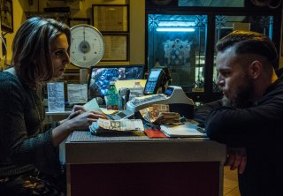 Gomorra 3: Enzo (Arturo Muselli) e sua sorella in una scena del quinto episodio