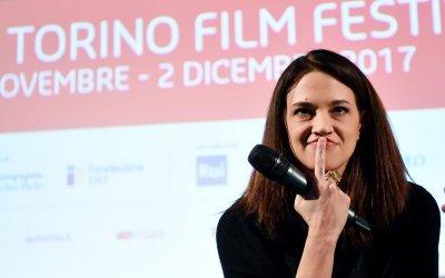 """Asia Argento cinefila e arrabbiata: """"Il cinema e i miei figli sono le uniche cose che mi rendono felice"""""""