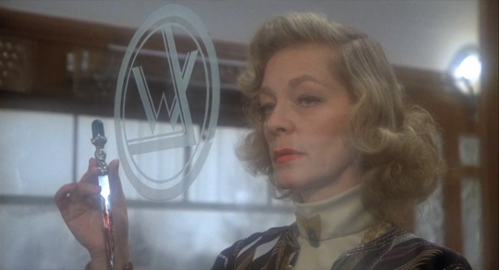 Assassinio sull'Orient Express: un primo piano di Lauren Bacall