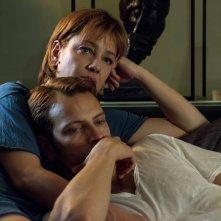 Napoli velata: Alessandro Borghi e Giovanna Mezzogiorno in un momento del film