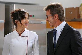 Natale da chef: Rocio Munoz Morales e Paolo Conticini in una scena del film