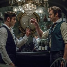 The Greatest Showman: una foto degli attori Zac Efron e Hugh Jackman