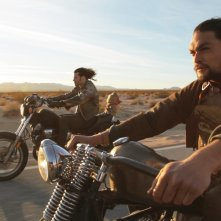 Jason Momoa in una scena di Road to Paloma