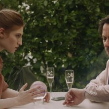 Belle Dormant - Bella addormentata: Agathe Bonitzer e Mathieu Amalric in una scena del film