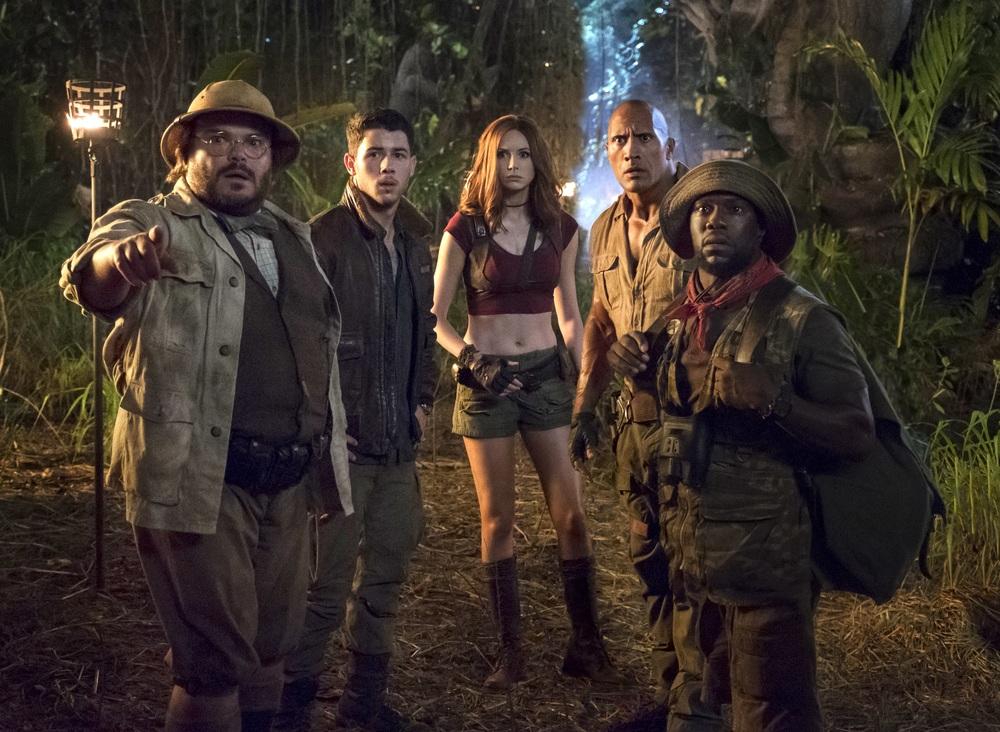 Jumanji - Benvenuti nella giungla: Karen Gillan, Dwayne Johnson, Jack Black, Kevin Hart e Nick Jonas in una scena del film