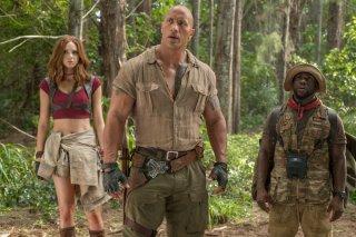 Jumanji - Benvenuti nella giungla: Karen Gillan, Dwayne Johnson e Kevin Hart in una scena del film