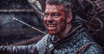 Vikings: Alex Hogh in una foto della serie