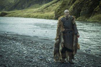 Vikings: Gustaf Skarsgard in una foto della quinta stagione