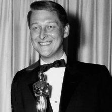 Il laureato: Mike Nichols con l'Oscar per la miglior regia vinto nel 1968 grazie al film