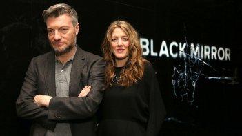 Black Mirror: Charlie Brooker e Annabel Jones presentano la quarta stagione