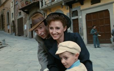 La vita è bella: un viaggio nell'Olocausto tragicomico di Roberto Benigni lungo vent'anni