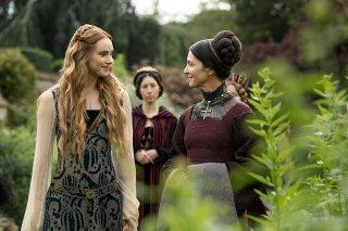 The White Princess: Suki Waterhouse e Michelle Fairley in una foto della serie