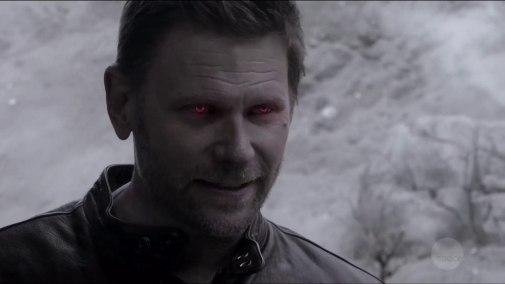 Supernatural: un primo piano di Mark Pellegrino nella stagione tredici