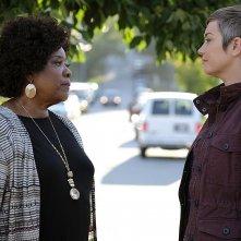 Supernatural: Loretta Devine e Kim Rhodes nell'episodio Patience
