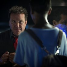 Black Mirror: Douglas Hodge in una scena dell'episodio Black Museum