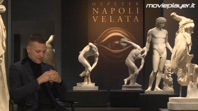 Napoli Velata Video Intervista A Alessandro Borghi Movieplayer It