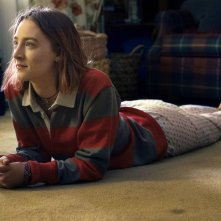 Lady Bird: Saoirse Ronan in un momento del film