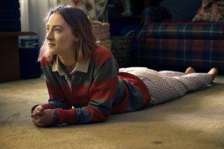 Lady Bird: Saoirse Ronan in un momento del film