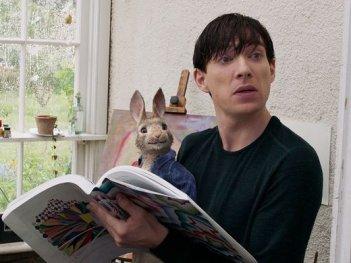 Peter Rabbit: Domhnall Gleeson in una scena