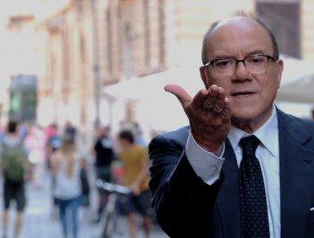 Benedetta follia: Carlo Verdone in una scena del film